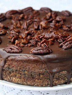 Шоколадно-творожный (сырный) торт с засахаренным пеканом