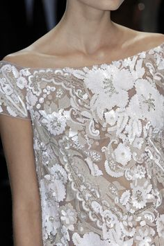 ☆ Valentino | Spring/Summer 2007 ☆ #Valentino #Spring_Summer_2007 #Catwalk #Detail #Fashion #Fashion_Show #Runway #Collection