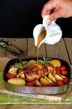 Pollo relleno de jamón dulce con salsa de mostaza