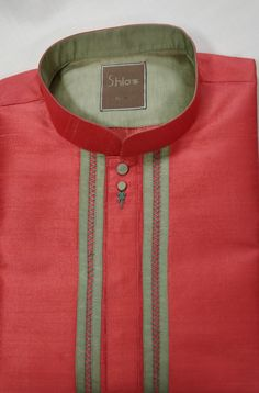 Latest Kurta Designs, Mens Kurta Designs, Mens Shalwar Kameez, Kurta Men, Man Dress Design, Gents Kurta, Guayabera Shirt, Kurta Style, Dress Neck Designs