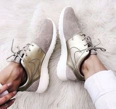 Mens/Womens Nike Shoes 2016 On Sale!Nike Air Max, Nike Shox, Nike Free Run Shoes, etc. of newest Nike Shoes for discount sale Cute Shoes, Me Too Shoes, Trendy Shoes, Casual Shoes, Casual Sneakers, Casual Outfits, Sneaker Trend, Basket Mode, Nike Trainers