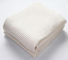 Lattice Bright White Blanket - 2 Available Sizes Modern Materials, White Style, Weaving, Delicate, Pure Products, Bedtime, Maine, Blankets, Reflection