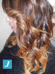 Spotted in salone! Sfumature color cognac e gradazioni dorate formate CDJ! #cdj #degradejoelle #tagliopuntearia #degradé #welovecdj #igers #naturalshades #hair #hairstyle #haircolour #haircut #fashion #longhair #style #hairfashion