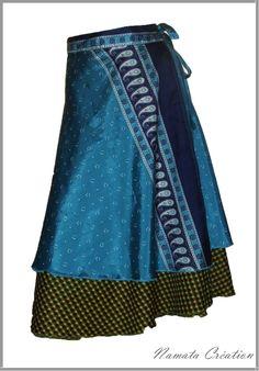 Jupe portefeuille deux jupons un bleu et motif vichy vert et jaune, se noue dans le dos ou sur le côté.