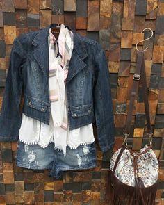 Look lindo pra essa segunda feira nublada e gelada!!  #look #fashion #moda #jeans #instafashion #winter #cool #frio #lookoftheday #bomdia #anapolis #goiania #triagemjeans by gabizinhasimao http://ift.tt/1TqtW71