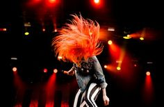 Hayley Williams of Paramore I have these pants!