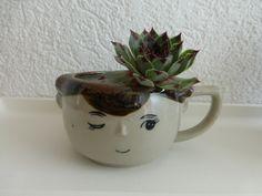 Vintage Tassen - Vintage tasse Figur Tasse Gesicht Bubikopf - ein Designerstück von flohmarkt-schaetzchen bei DaWanda