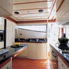 кухня на яхте фото: 21 тыс изображений найдено в Яндекс.Картинках