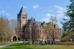 UNH T-Hall. OK, yes, I love school. So much I am still taking classes.
