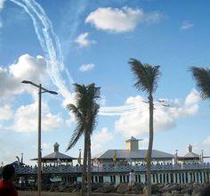 Esquadrilha da Fumaça no dia 15 de Novembro na Praia de Iracema, Fortaleza.