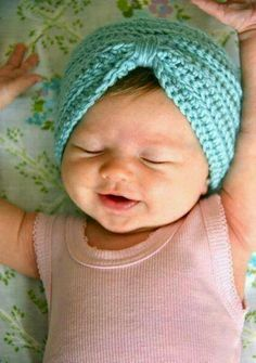 Such a cute hat! http://thismamamakesstuff.com/crochet-baby-turban-pattern-tutorial/