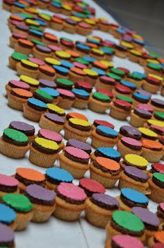 Denne opskrift brugte jeg da jeg d. 20 august stod for at lave 500 cupcakes til min skoles 40 års jubilæum. Jeg havde selvfølgelig nogle dej...