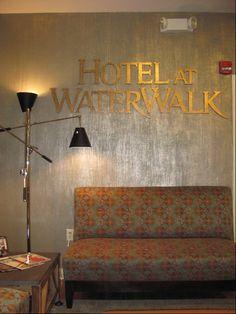 metallic wandfarbe f r ein luxuri ses ambiente in ihrer. Black Bedroom Furniture Sets. Home Design Ideas