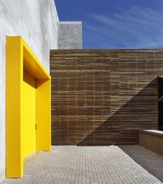 Palhano Ecomarket by Studio Guilherme Torres #architecture