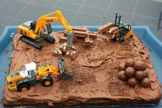 Construction Worker Pie This cake is perfect for our next construction worker . 3rd Birthday Cakes, Third Birthday, 4th Birthday Parties, Baby Birthday, Birthday Ideas, Digger Cake, Digger Party, Construction Birthday Parties, Construction Theme