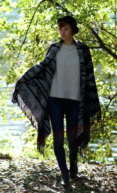 #Outfit #Inspiration für den #Herbst mit #Poncho und #Hut