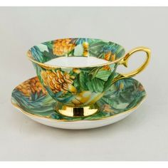 Teacup Crafts, Green Tea Cups, Cute Furniture, China Tea Cups, Antique China, Tea Sets, Tea Cup Saucer, Vintage Tea Cups, Bone China