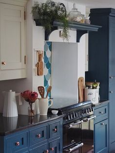 DIY Starter Kit: The Basic Tools That You Need To Own — MELANIE LISSACK INTERIORS Farrow Ball, Kitchen Units, Kitchen Cabinets, Pink Paint Colors, Trending Paint Colors, Paint Your House, Ikea Billy Bookcase, Paint Brands, Kitchen Trends