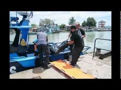 Up to 40 Indonesians Feared Dead After Mudik Boat Sinks off Malaysia.  KL Hock Thai Funeral http://hockthaifuneral.blogspot.com/ http://funeralservicesmy.blogspot.com/