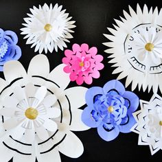Mothers Day Flower Flakes made of paper. #mothers_day #paper #flowers #pretty #diy #craft