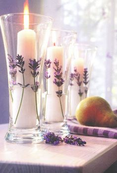 °lavanda° candle Vanilla candles in glass vases lined with fresh lavender Lavender Cottage, Lavender Garden, Lavender Tea, Lavender Fields, Lavender Flowers, Candle Lanterns, Pillar Candles, Sage Candles, Candle In The Wind