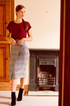 dogtooth print midi skirt for fall | casual midi wiggle skirt style | how to style a midi skirt for autumn