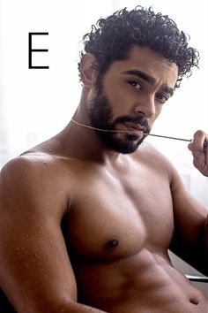 Brown Skin, Dark Skin, Queen Of The South, Parda, Latin Men, Fine Black Men, Usa Network, Hottest Male Celebrities, Beard Tattoo