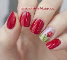 Red tulip manicure