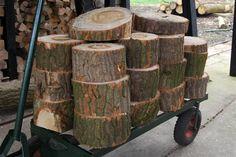 bollen om klompen van temaken Firewood, Texture, Crafts, Surface Finish, Woodburning, Manualidades, Handmade Crafts, Craft, Arts And Crafts