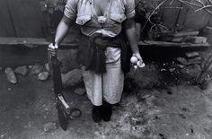 #MUJERES #GUERRILLERAS #REVOLUCION #SALVADOR #DOCUMENTAL #GUERRA #CIVIL - Fotografía de Larry Towell / Magnum Photos 1991 — Morazan, El Salvador. Un proyecto documental y fotográfico sobre la guerra civil salvadoreña desde una perspectiva de género: la experiencia de la mujer guerrillera. Una herramienta para conservar la memoria histórica. Una muestra del pasado que siempre es presente. mujeres armadas fusil +INFO www.studiopanga.com CAMPAÑA crowdfunding verkami www.verkami.com/...
