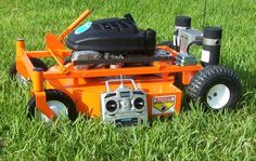 Lawn Mower Hacks, RC Lawn Mower A new backyard more shapely or even ride on Automatic Lawn Mower, Carl Benz, Diy Robot, Riding Mower, Arduino Projects, Outdoor Power Equipment, Lawn Equipment, Cool Things To Buy, Modern Design