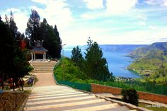 Danau Toba has been part of traveller folklore for decades. This grand ocean-blue lake, found high up among Sumatra's volcanic peaks, is where the amiable Christian Batak people reside. The secret …