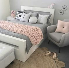 Teen bedroom interior design ideas, color scheme ideas plus, decor and bedding. - Teen bedroom interior design ideas, color scheme ideas plus, decor and bedding. Cute Bedroom Ideas, Awesome Bedrooms, Bedroom Themes, Home Decor Bedroom, Master Bedroom, Beautiful Bedrooms, Small Bedroom Decor On A Budget, Bedroom Bed, Bedroom Ideas For Small Rooms Women