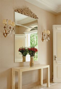 With entryways finding a new identity in the overall décor, there are many beautiful entryway décor style getting unveiled day by day. Hallway Decorating, Entryway Decor, Decorating Ideas, Interior Design Inspiration, Home Interior Design, Living Room Designs, Living Room Decor, Entry Hallway, Hallway Ideas