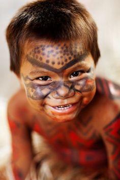 curumim - Pesquisa Google Kids Around The World, Beauty Around The World, People Of The World, Beautiful Smile, Beautiful Children, Beautiful People, Amazon People, Amazon Tribe, American Spirit