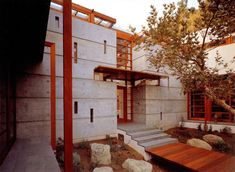 Schulman Residence in Brentwood California by Steven Ehrlich Architects, photo by Tom Bonner