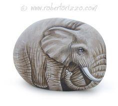 Dulce elefante pintado en una roca de mar Arte por RobertoRizzoArt