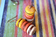 earth color macaron earrings Earth Color, Miniature Food, Bon Appetit, Macarons, Fun Stuff, Polymer Clay, Miniatures, French, Crafty
