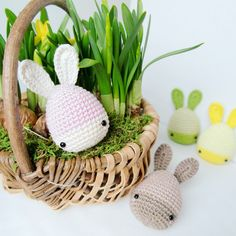 Adorable Spring and Easter Crochet Patterns Perfect For Easter Baskets: Easter Bunny Eggs Crochet Pattern from Lalylala Crochet Easter Egg Pattern, Easter Crochet Patterns, Crochet Ideas, Easter Bunny Eggs, Easter Hunt, Bunnies, Triple Crochet Stitch, Funny Eggs, Beginner Knitting Patterns