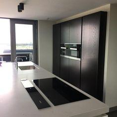 moderne keuken wenge kleur met keuken eiland #keuken #keukens | moderne keukens | moderne keuken design | keuken modern | keuken inspiratie | kitchen inspiratie | droomkeukens | modern design kitchen ideas | keukens vlaardingen | #iemms #iemmskeukens | iemms.nl