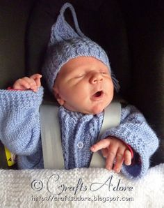 Knitted Baby Hat - Incredible Expanding Gnome Cap When expecting my fifth baby, I knitted a set of baby cardigan , baby hat and baby booti. Baby Hats Knitting, Knitted Baby, Baby Knitting Patterns, Baby Patterns, Gnome Hat, Baby Cardigan, Gnomes, Baby Items, Knits
