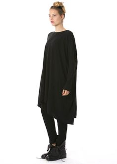 Oversize Kleid von RUNDHOLZ ACHTUNG: wurde nur in S + M hergestellt - http://dagmarfischermode.de #rundholz #mainline #designer #german #fashion #style #stylish #styles #outfit #shopping #dagmarfischermode #shop #outfit #cool #autumn #fall #winter #lagenlook #mode #extravagant
