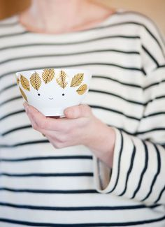 Arbour Harbour Bowl for Kids from Fine Little Day (modern tableware for kids) Ceramic Pottery, Ceramic Art, Ceramic Design, Pebeo Porcelaine 150, Miss Moss, Conkers, Cute Designs, Goodies, Diy Crafts