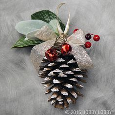 Easy but Beautiful DIY Christmas Ornaments Easy but beautiful diy christmas ornaments 41 - GODIYGO.COMEasy but beautiful diy christmas ornaments 41 - GODIYGO. Pinecone Ornaments, Diy Christmas Ornaments, Rustic Christmas, Christmas Projects, Holiday Crafts, Christmas Holidays, Christmas Wreaths, Holiday Decor, Pinecone Christmas Crafts