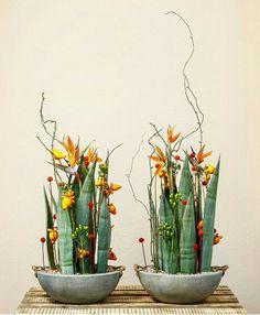 LOVE Simple Flowers, Love Flowers, Diy Flowers, Flower Decorations, Ikebana Flower Arrangement, Ikebana Arrangements, Flower Arrangements, Modern Floral Design, Flora Design