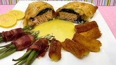 Best and easiet recipe for Salmon en Croûte with Croquettes and bacon wrapped beans Salmon Recipes, Fish Recipes, Fish Dishes, Bacon Wrapped, Beans, Easy Meals, Ethnic Recipes, Google, Beans Recipes