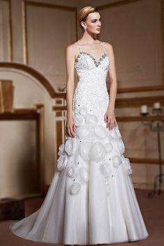 Robe de mariée trompette avec bretelles fines tour de cou jupe bordée de fleurs fait main - Persun.fr
