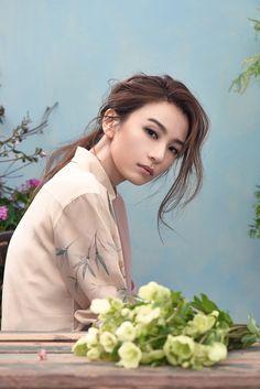 Hebe田馥甄 「MILK X」台湾雜誌 專訪 : 2016 新專輯「日常」希望讓大家看到「田馥甄式」的輕鬆生活觀 , 放假期间 在家耍废。