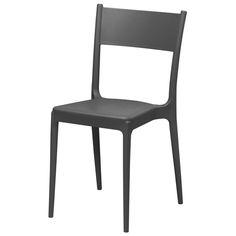 Cadeira empilhável Tok Stok para varanda