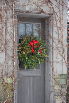 Old-fashioned Christmas wreath